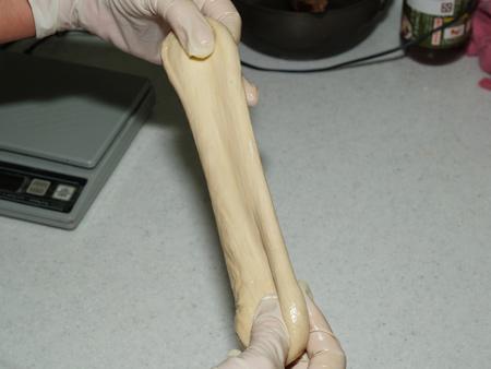 مشخصات رئولوژیکی خمیر حاصل از آرد